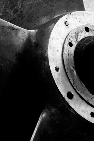 Old Propeller iPhone Wallpaper