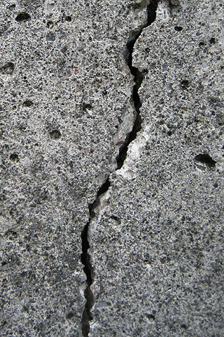 Crack iPhone Wallpaper