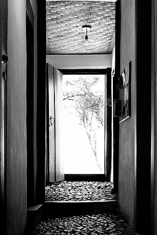 Hallway iPhone Wallpaper