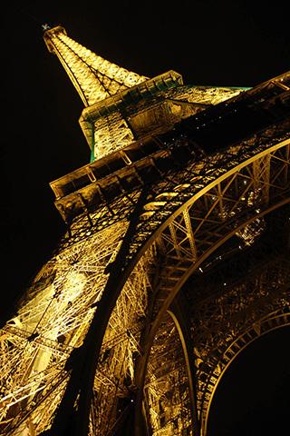 Golden Eiffel iPhone Wallpaper