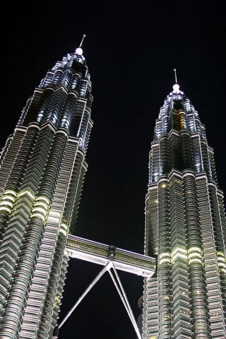 Petronas Twin Towers iPhone Wallpaper