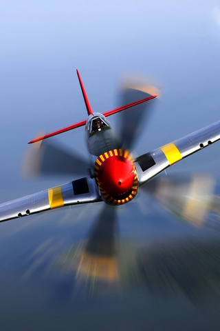 P-51 Mustang iPhone Wallpaper
