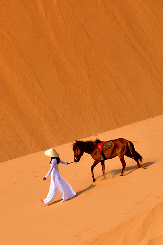 Desert Nomad by Hengky Hendrawan iPhone Wallpaper