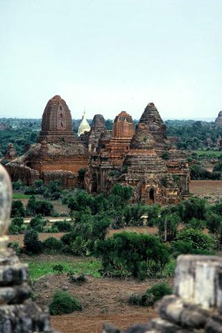 Bagan Temples iPhone Wallpaper