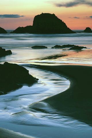 Ruby Beach, Washington iPhone Wallpaper