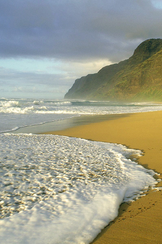 Polihale Beach, Hawaii iPhone Wallpaper