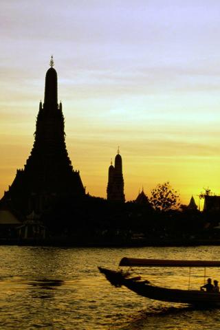 Wat Arun Sunset iPhone Wallpaper