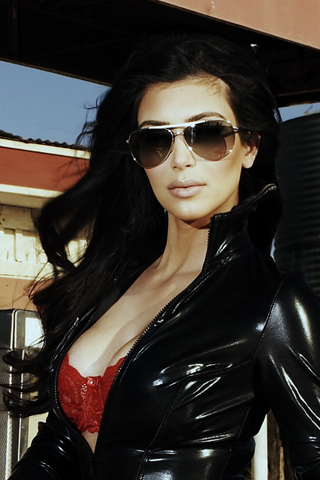 Kim Kardashian  iPhone Wallpaper