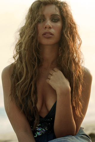 Leona Lewis iPhone Wallpaper