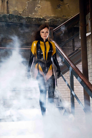 Silk Spectre iPhone Wallpaper