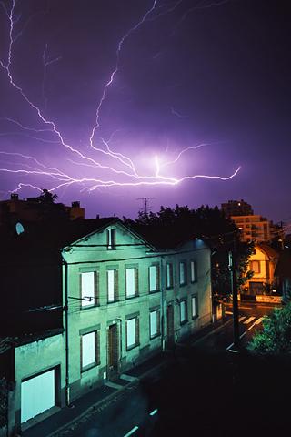 Purple Lightning iPhone Wallpaper