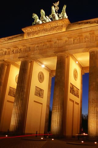 Brandenburg Gate Berlin iPhone Wallpaper