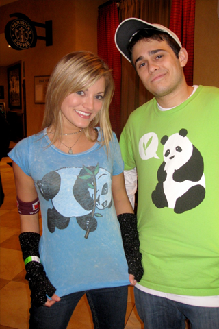 AJ Vaynerchuk & iJustine iPhone Wallpaper