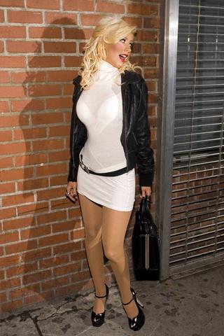 Christina Aguilera iPhone Wallpaper