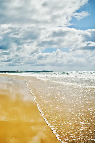Pristine Beach iPhone Wallpaper