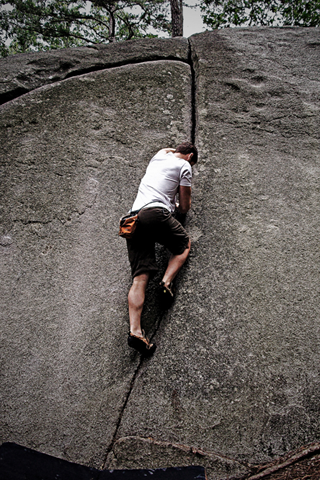 Rock Climbing iPhone Wallpaper