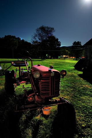 Creepy Farm iPhone Wallpaper