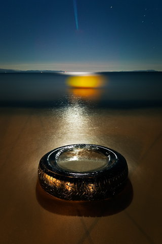 Beach Tire iPhone Wallpaper