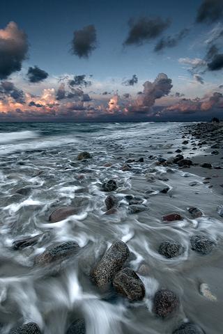 Rocky Beach iPhone Wallpaper